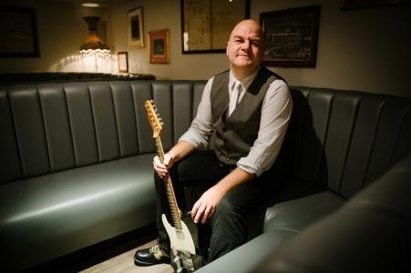 Fraser McAlpine on guitar